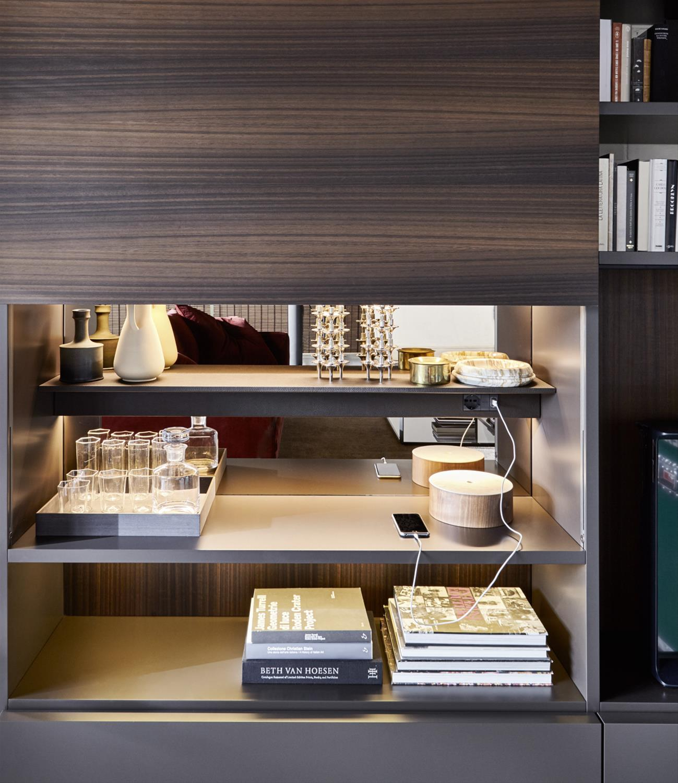 Molteni 505: a contemporary library