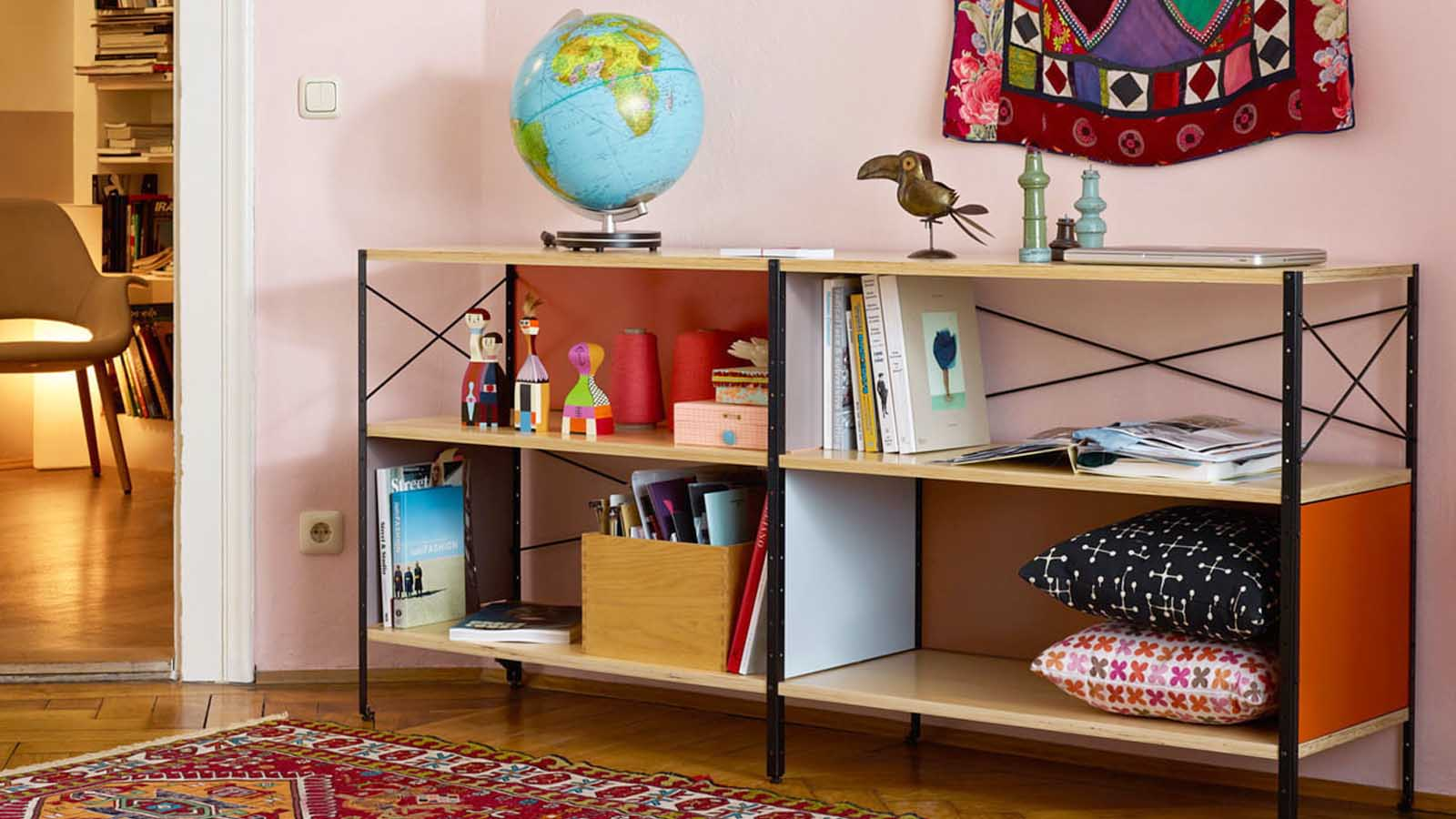 Vitra Eames Storage Unit Shelf Low Bookcase_wooden Dolls_rug